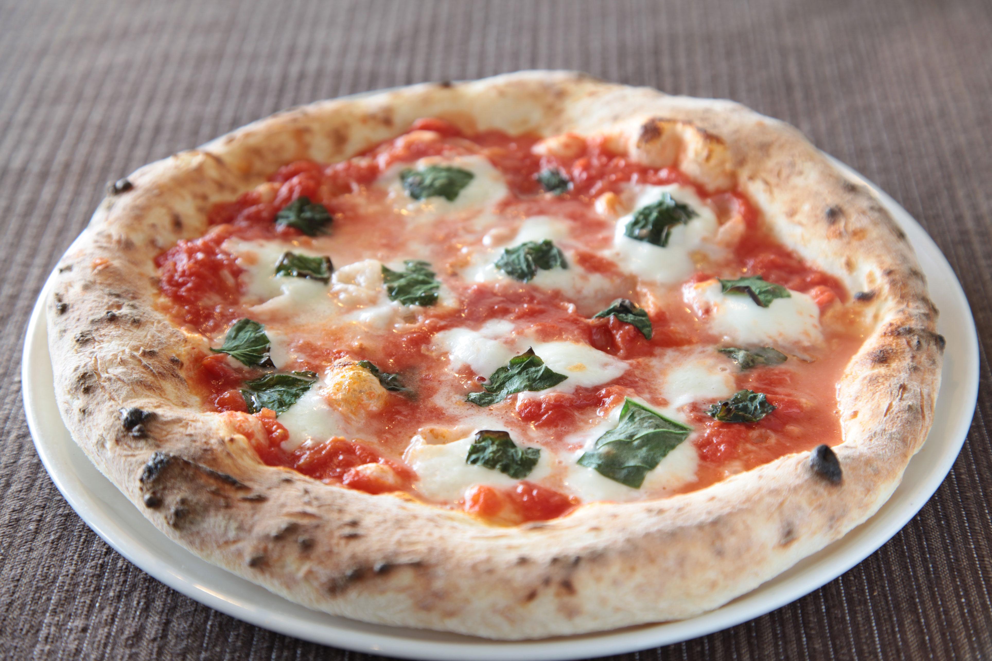 本格石窯焼きピザ